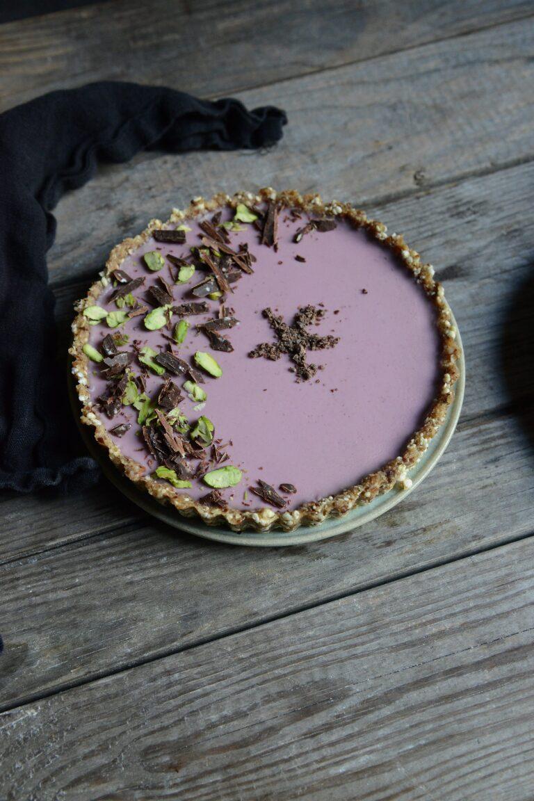 RAW tærte med ckokolade og bær